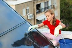 太阳电池的女孩 免版税库存照片