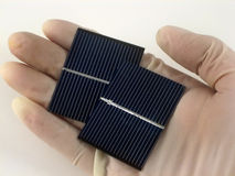 太阳电池的研究 库存照片