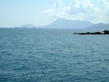 太阳的强光在海的 免版税图库摄影