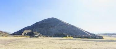 太阳的著名金字塔 免版税库存图片
