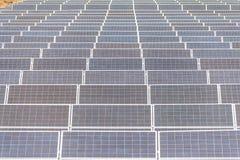太阳能发电厂建设中在泰国 免版税库存图片