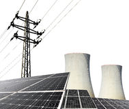 太阳能盘区、核电站和电定向塔 免版税图库摄影