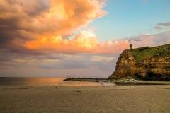 太阳设置在Bolata,保加利亚海湾  库存图片