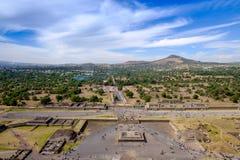 从太阳金字塔的风景看法在特奥蒂瓦坎,在墨西哥城附近 库存照片