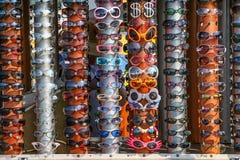 太阳镜为下假期 免版税库存照片