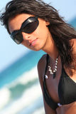 太阳镜性感的意大利妇女 图库摄影