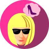 太阳镜的时髦的女人作梦关于鞋子的 平的样式 库存照片