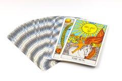 太阳,在白色背景的占卜用的纸牌 免版税库存图片