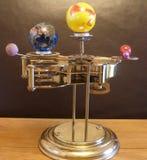 太阳系仪steampunk有太阳系的行星的艺术时钟 免版税图库摄影