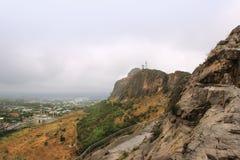 太Sulayman山和太Sulayman清真寺背景的,吉尔吉斯斯坦 库存照片