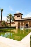 夫人在格拉纳达耸立(Torre de las Damas) 免版税库存照片