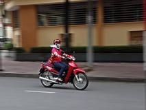 夫人摩托车骑士 免版税库存照片