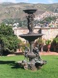 夫人瓜纳华托州雕象有水花瓶的 免版税图库摄影