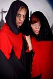 夫妇万圣节吸血鬼 免版税库存照片
