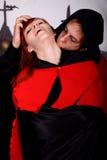 夫妇万圣节吸血鬼 库存照片