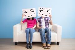夫妇举行广告牌 免版税库存照片
