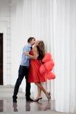 夫妇亲吻 免版税库存照片