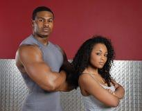 夫妇健身培训人 免版税库存图片