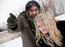夫妇冻结的丢失的奋斗冬天 库存图片