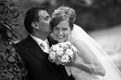 夫妇减速火箭的婚礼 免版税库存图片