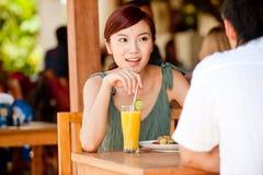 夫妇吃 免版税图库摄影