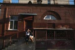 夫妇在城市 免版税库存照片