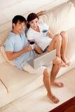 夫妇在家 免版税图库摄影