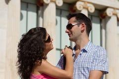 夫妇在雅典执行观光 免版税库存照片