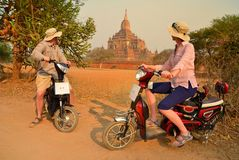 夫妇在Bagan缅甸 免版税图库摄影
