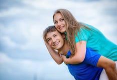 夫妇天空年轻人 图库摄影