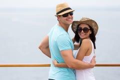 年轻夫妇巡航 免版税库存图片