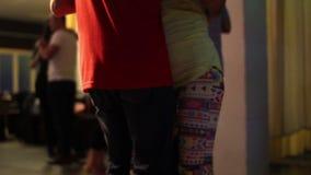 夫妇性感的舞蹈移动  股票录像