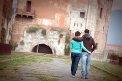 夫妇愉快的学员年轻人 免版税库存照片