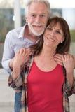 夫妇愉快的纵向前辈 库存图片