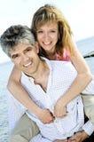 夫妇成熟浪漫 免版税库存照片