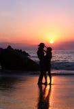 夫妇日落 免版税图库摄影