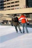 夫妇滑冰 免版税库存图片
