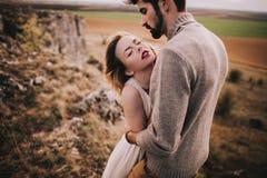 夫妇热情的年轻人 免版税库存图片