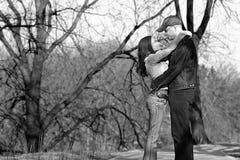 夫妇爱黑白照片 免版税图库摄影