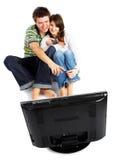 夫妇电视注意 免版税图库摄影