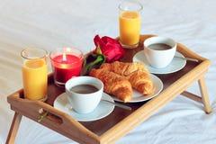 夫妇的早餐时间 免版税库存图片