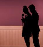 年轻夫妇的浪漫心情 免版税库存照片