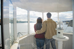 夫妇的背面图 免版税库存图片