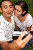 夫妇种族纵向自采取 免版税库存照片