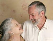 夫妇笑 免版税图库摄影