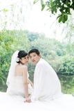 夫妇纵向婚礼 免版税库存照片