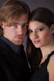 夫妇英俊的年轻人 免版税库存图片