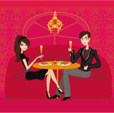 年轻夫妇调情的人和饮料香槟 库存图片
