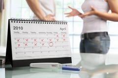 夫妇负怀孕争吵测试 免版税库存图片