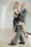 夫妇跳舞探戈 库存照片